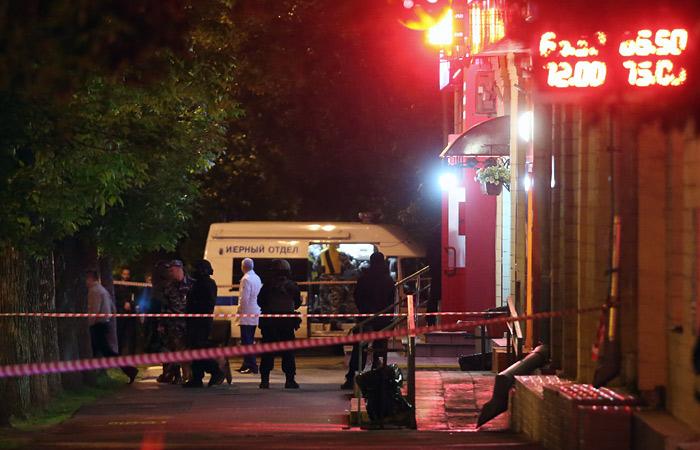 Захватчика заложников вмосковском банке устранили из-за угрозы взрыва