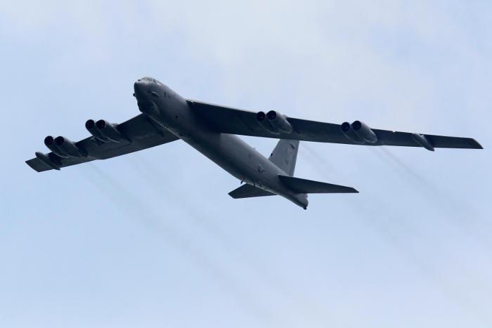 Бомбардировщик B-52 упал на острове Гуам