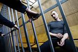 Суд признал Павленского виновным в вандализме по делу о поджоге покрышек