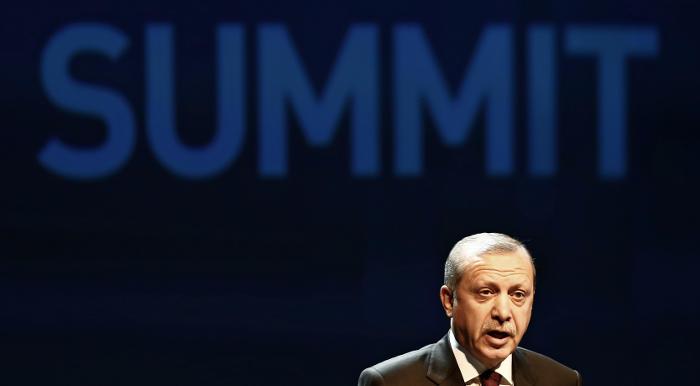 Турецкий парламент готов заблокировать соглашение по иммигрантам с ЕС