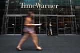 Apple предложила купить медиаимперию Time Warner