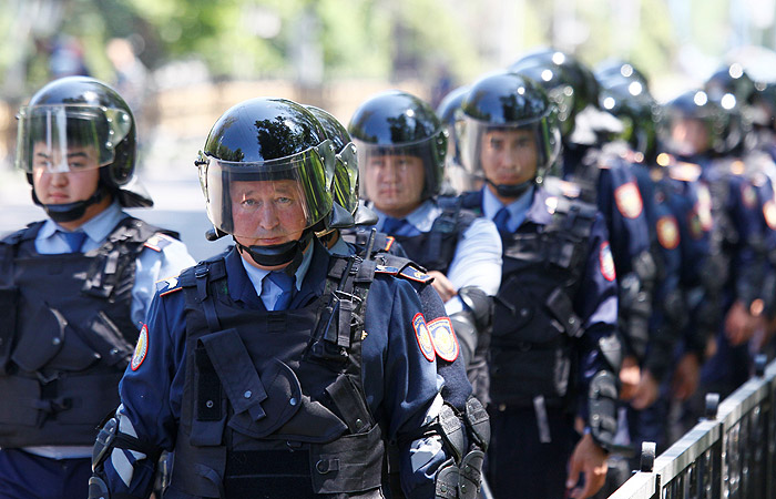 В Казахстане напали на оружейный магазин и воинскую часть