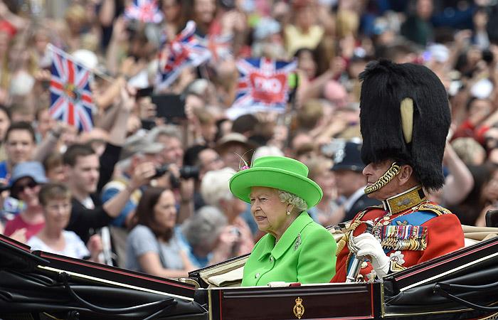 Лондон украсили английскими флагами вчесть юбилея королевы