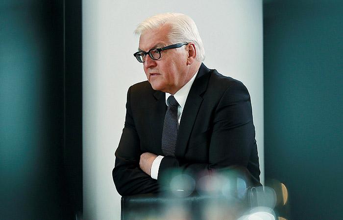 Штайнмайер раскритиковал проведение учений НАТО близ границ России