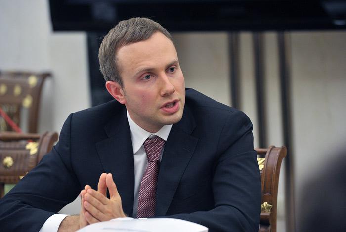 """Владелец Юниаструм банка предложил объединить его с """"Восточным"""", КЕБ и МСП банком"""