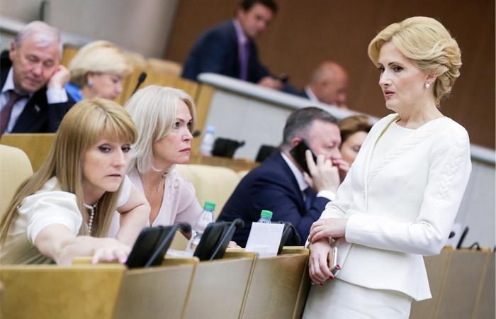 """Минкомсвязи предложит поправки к """"антитеррористическим нормам"""" Яровой"""