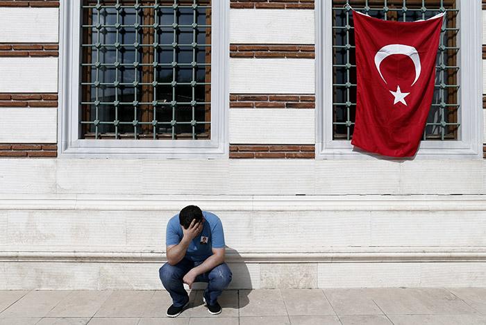 Число жертв теракта в стамбульском аэропорту увеличилось до 43 человек