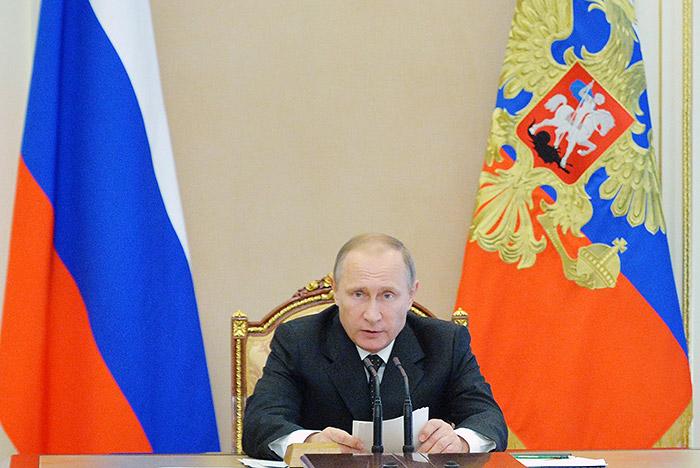 """Путин обвинил НАТО в подталкивании России к """"милитаристскому угару"""""""