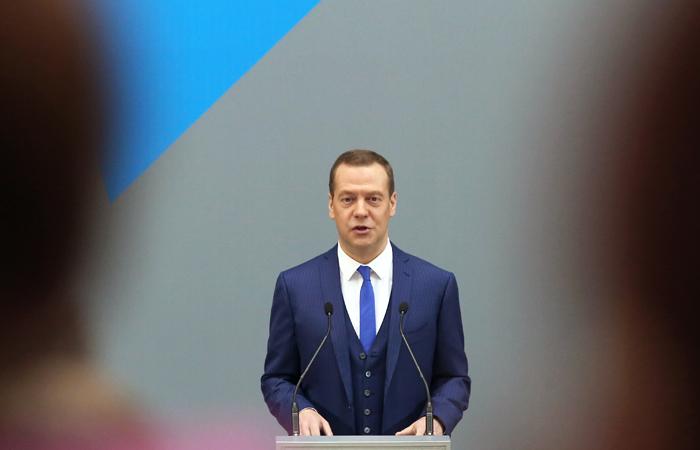 Медведев не будет менять список запрещенных кввозу западных продуктов