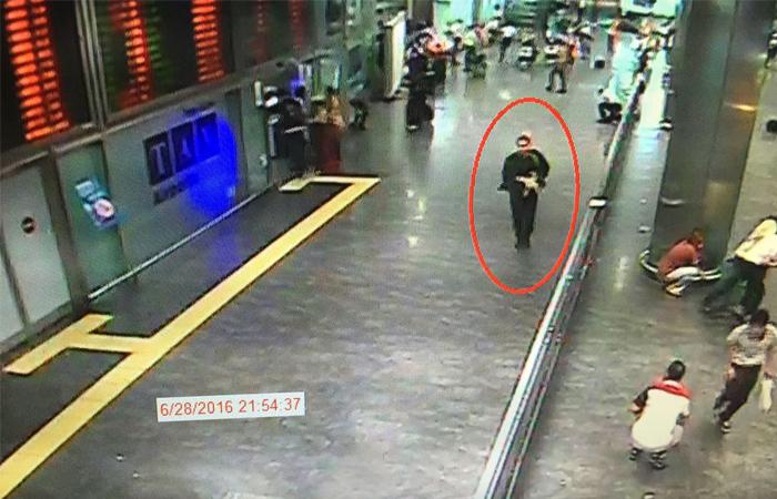Полиция Турции нашла российские паспорта у двух смертников из аэропорта Стамбула