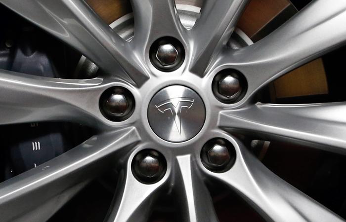 В Tesla объяснили причины третьего ДТП своего автомобиля в США