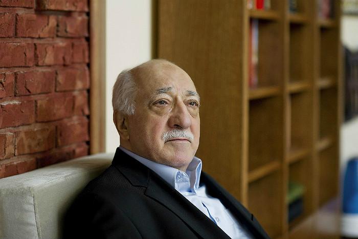 Турция сочла врагами помогающие Гюллену страны