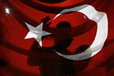 Сбивших российский Су-24 пилотов задержали за участие в мятеже в Турции