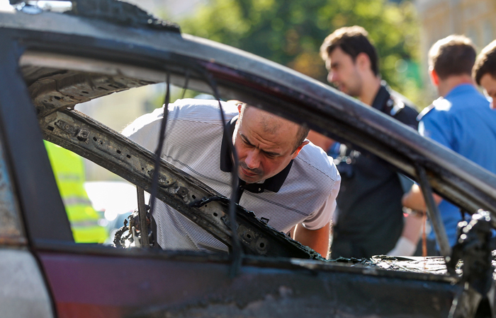 После взрыва автомобиля Павел Шеремет был еще жив