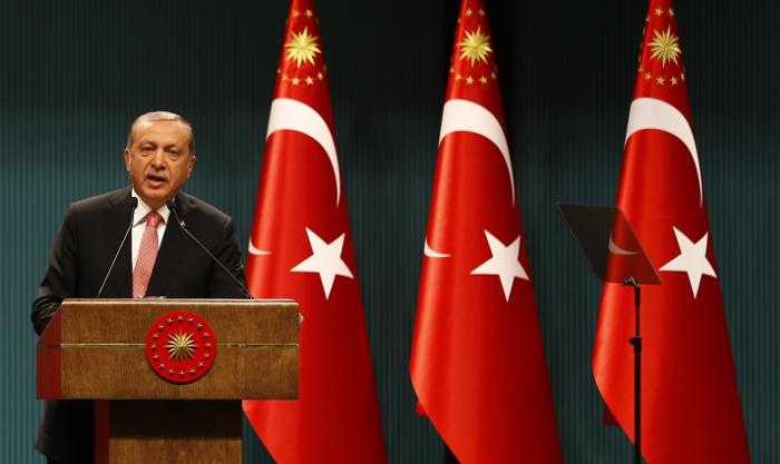 Эрдоган ввел в Турции режим ЧП