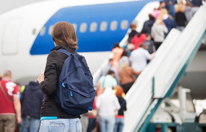 """""""Победа"""" пригрозила ростом тарифов на треть из-за перевозки женских рюкзаков"""