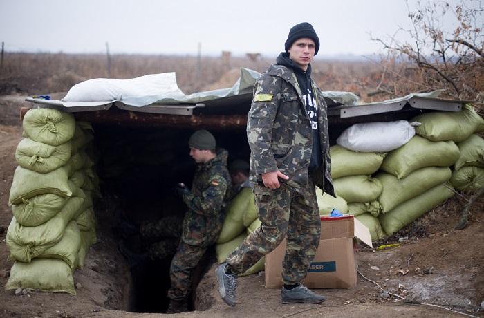 Украинских чиновников заподозрили в краже $200 тыс на строительстве укреплений в Донбассе