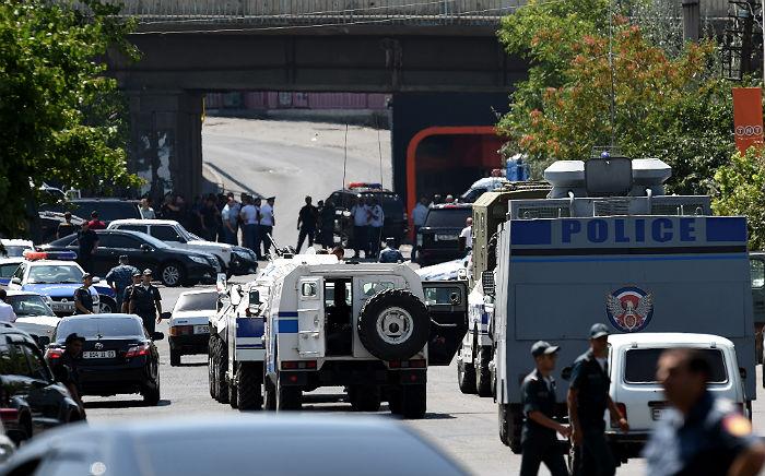 В Ереване освобождены все заложники