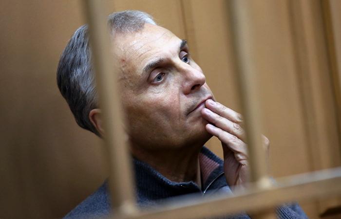 Завершено следствие в отношении экс-главы Сахалина Хорошавина