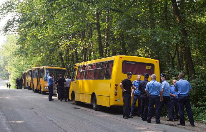 Полиция и Нацгвардия заблокировали крестный ход по улицам Киева