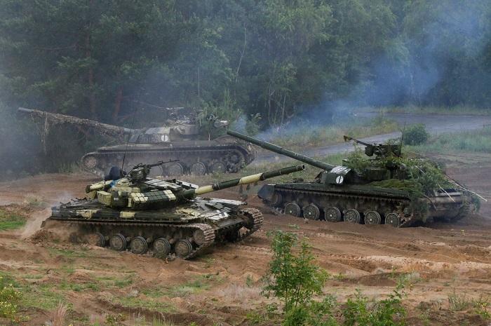 Украинские военные заявили о 70 обстрелах со стороны ополченцев за сутки
