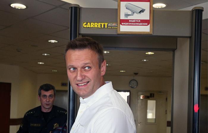Суд отказал ФСИН взамене Навальному условного срока на настоящий