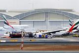 Пассажирский самолет загорелся в аэропорту Дубая после аварийной посадки