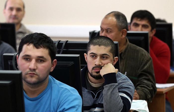 Мигранты обогнали нефтегазовый сектор по отчислениям в бюджет Москвы