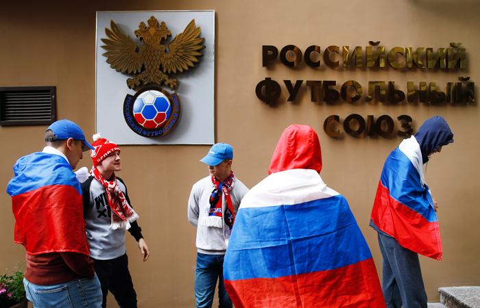Соколов: решение покандидатуре основного тренера сборной Российской Федерации еще непринято