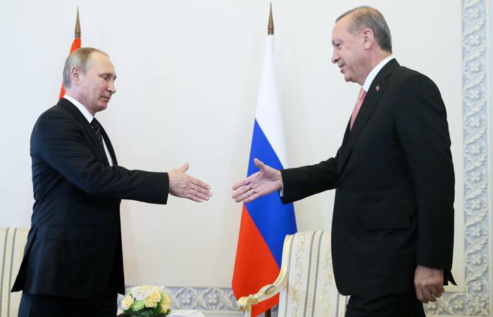 Путин расценил визит Эрдогана в РФ как желание возобновить диалог