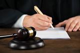 Суд в Лондоне заочно арестовал основателя Carlo Pazolini Илью Резника