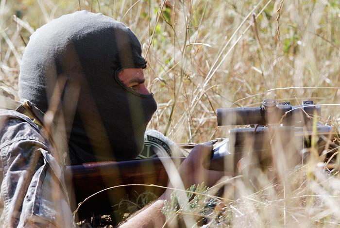 Порошенко поручил усилить боевую готовность награнице сКрымом иДонбассом