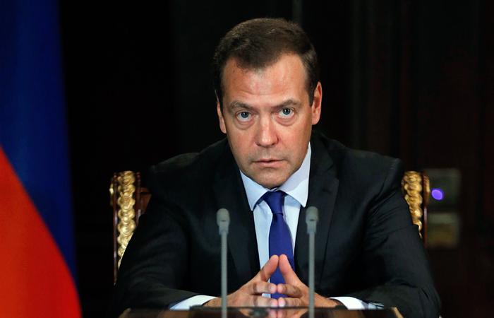 Медведев сравнил решения международных спортивных судов с правосудием Вышинского