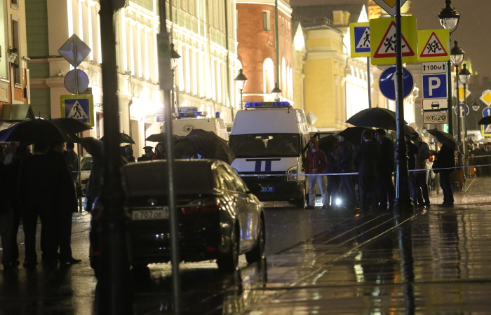 Захватчик банка в центре Москвы сдался полиции