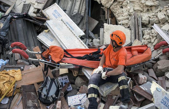 Жертвами землетрясения в Италии стали не менее 120 человек