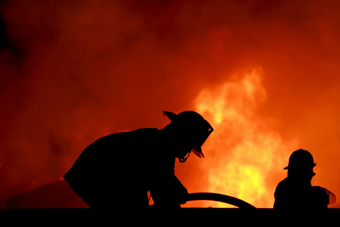 На северо-востоке Москвы в пожаре на складе погибли 16 человек