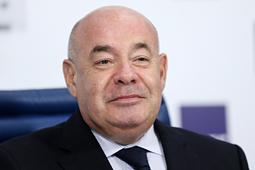 Михаил Швыдкой: Количество изучающих русский язык уменьшилось на 70 млн человек