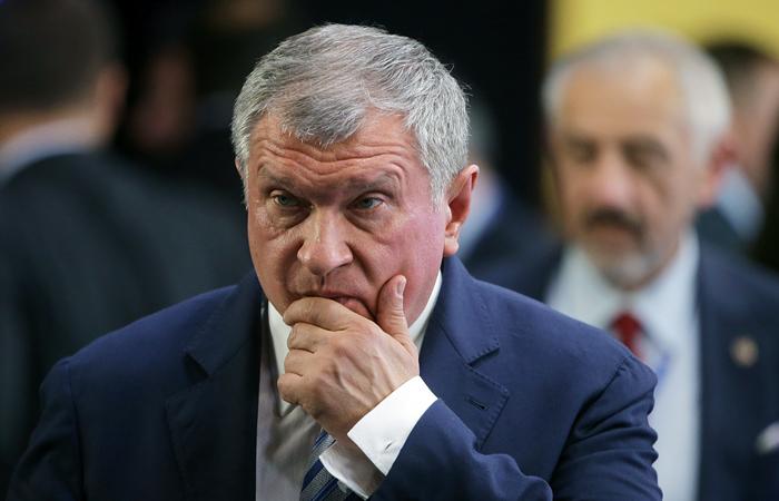 """Bloomberg узнал о просьбе Сечина продать контроль в """"Башнефти"""" за $5 млрд"""