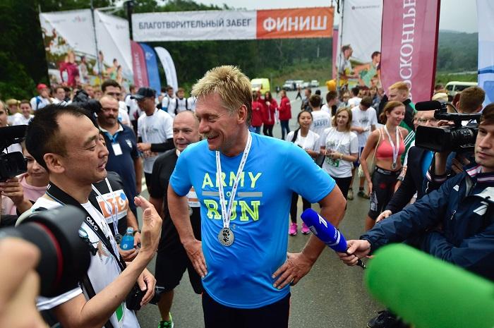 Участники благотворительного забега ВЭФ собрали более 1 млн рублей