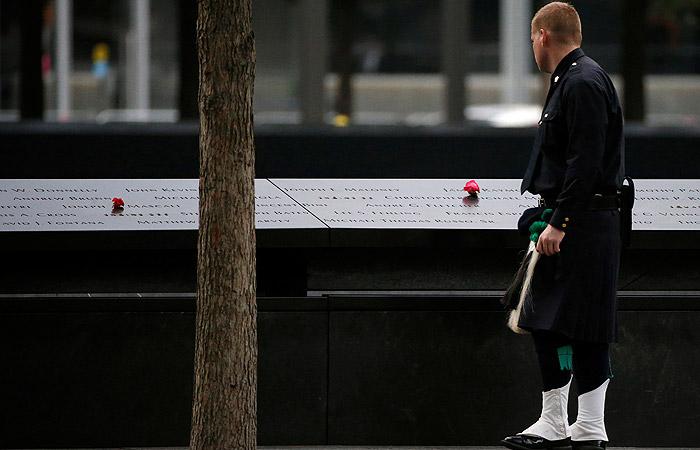 Теракт 11сентября: вНью-Йорке почтили память погибших минутой молчания