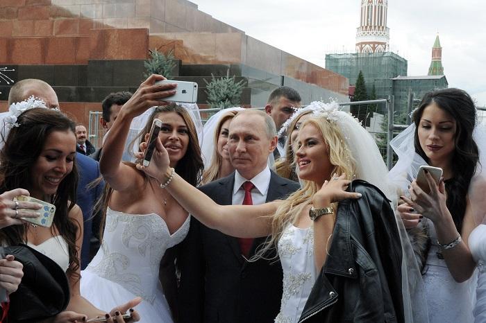 Около 5 млн жителей и гостей Москвы приняли участие в праздновании дня города