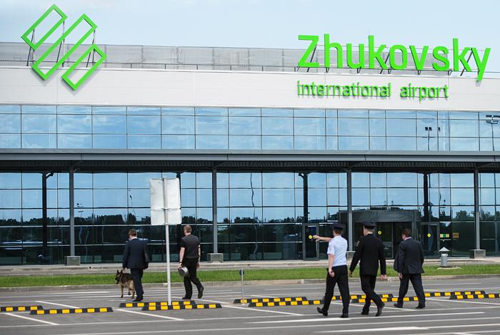 Ваэропорт Жуковский прибыл 1-ый рейс
