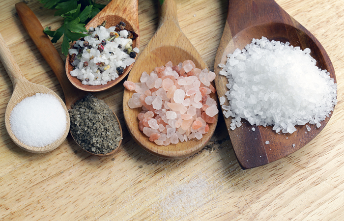 Правительство РФ распространило продовольственное эмбарго на соль