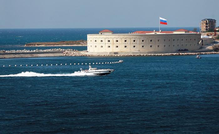 Порошенко поручил подать иск против России по нарушениям норм морского права