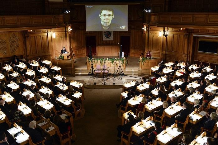 В столице России прошла премьера фильма Оливера Стоуна «Сноуден»