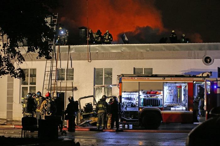 Источник назвал возможную причину возникновения пожара востоке Москвы