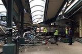 В Нью-Джерси поезд врезался в здание вокзала