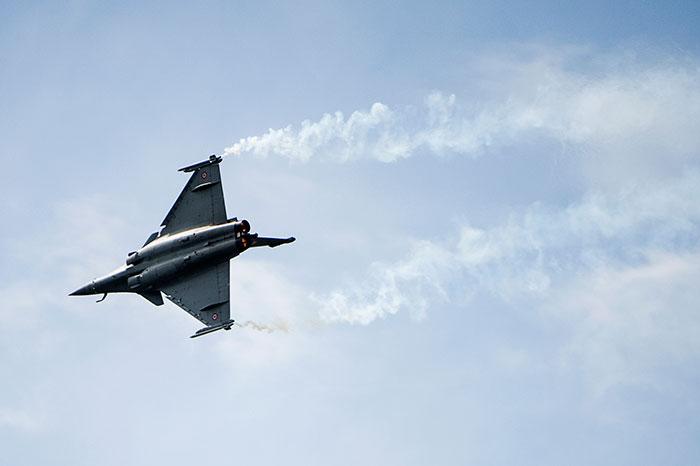 Франция начала авиаудары по ИГ