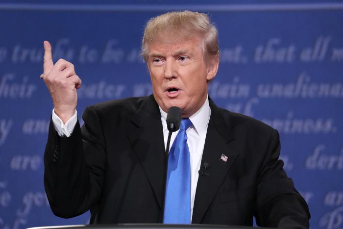 Клинтон обвинила Трампа внезаконной торговле сКубой