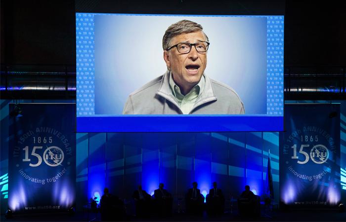 Билл Гейтс опять стал богатейшим американцем поверсии Forbes